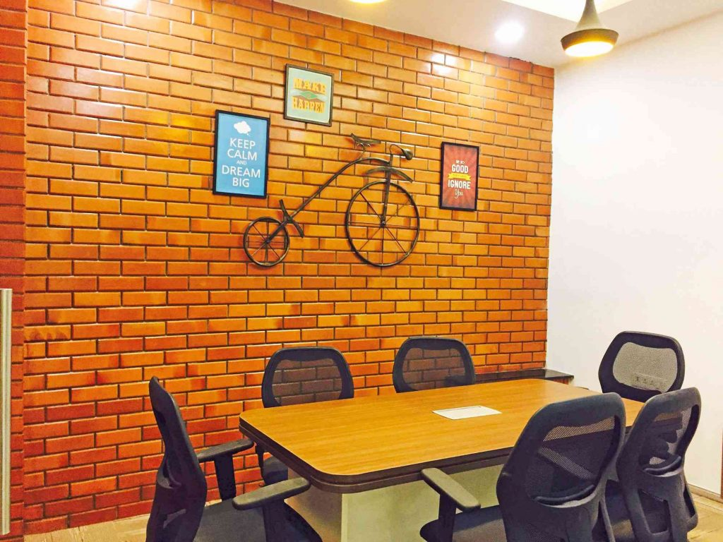 young Enterprenures discussion on GoodWorks Cowork Office