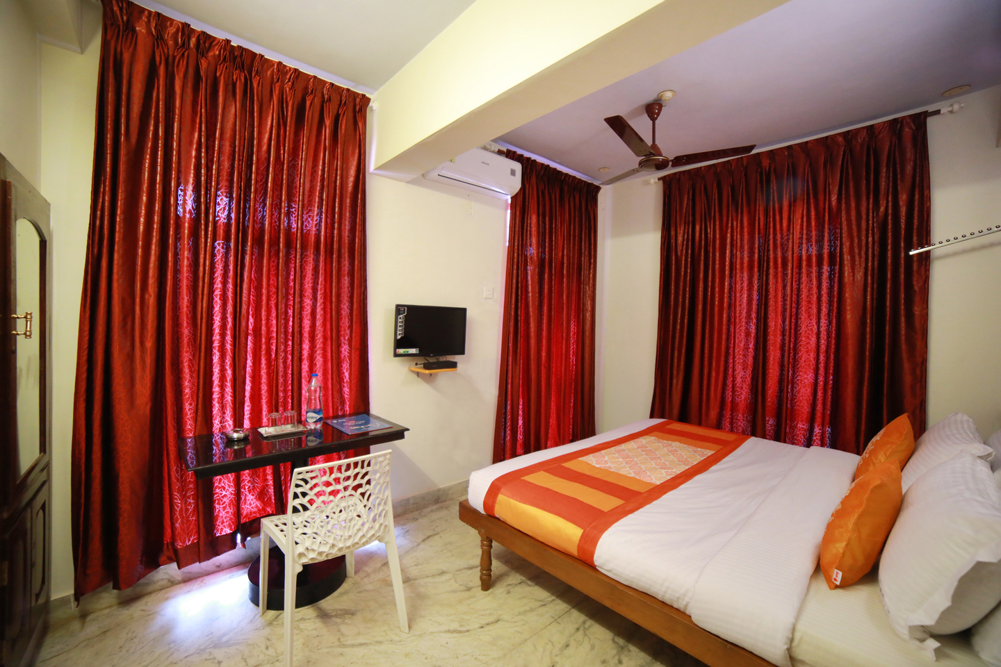 Oyo-rooms-review-hotel oasis